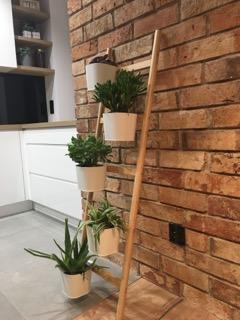 lico cegły w kuchni