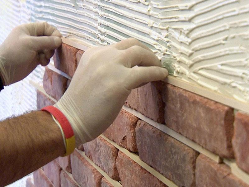 klejenie cegły